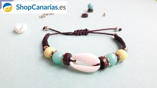 Makramee Armband Shopcanarias.es mit Schale und Farben der kanarischen Flagge