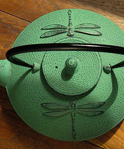 cast-iron-teapot-QT11G-1