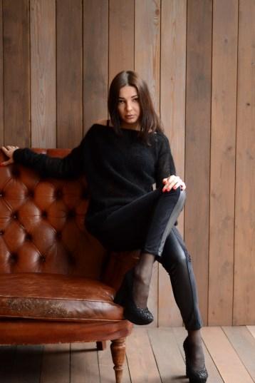 black knit sweater //ShopLaLune