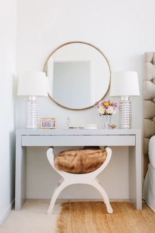 makeup table with circle mirror
