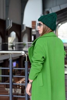green knit hat