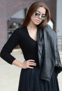 total black outfit with knit sweater //ShopLaLune