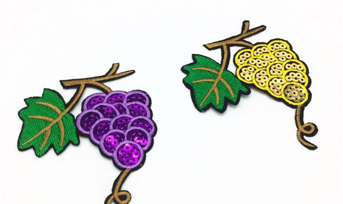 Sale 2Colors Grape Patch Sequin 10*8cm Embroidery Iron On Patches For Clothes Jacket Jean Appliques Motif Badge DIY Clothing Bag