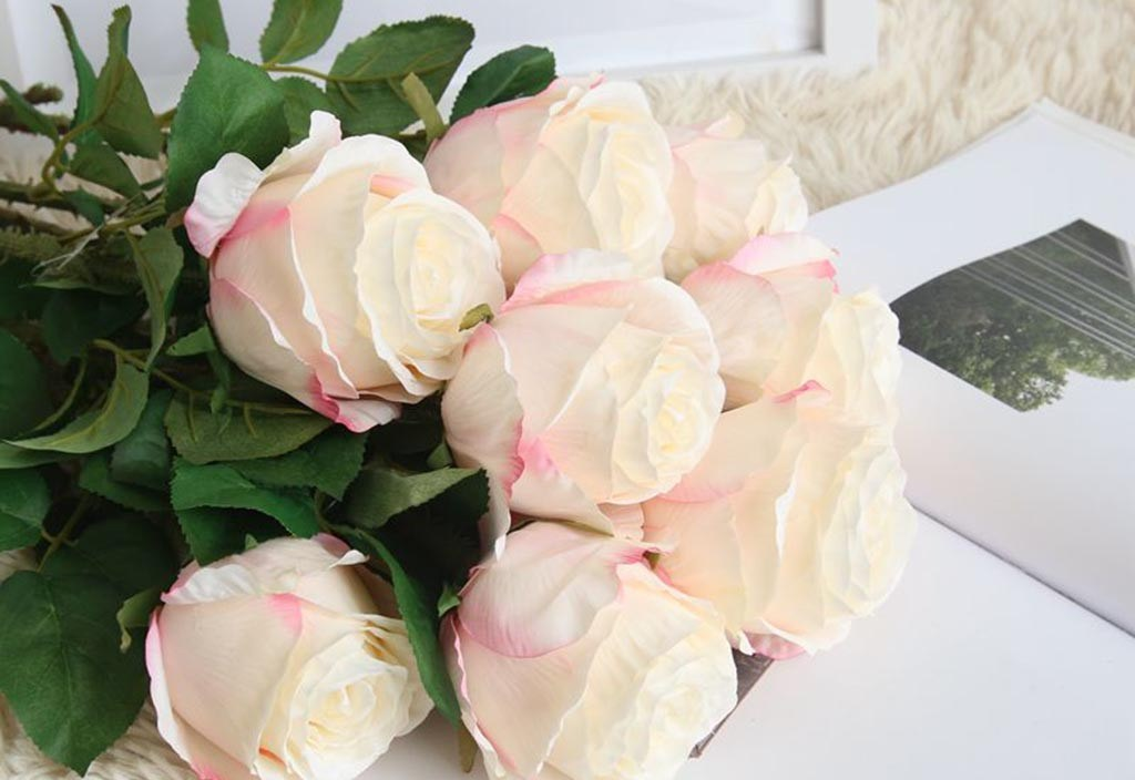 2019 New Arrival Flannel Rose Flowers For Wedding Party Home Design Bouquet Decor High Quality  Make The Home Warmer