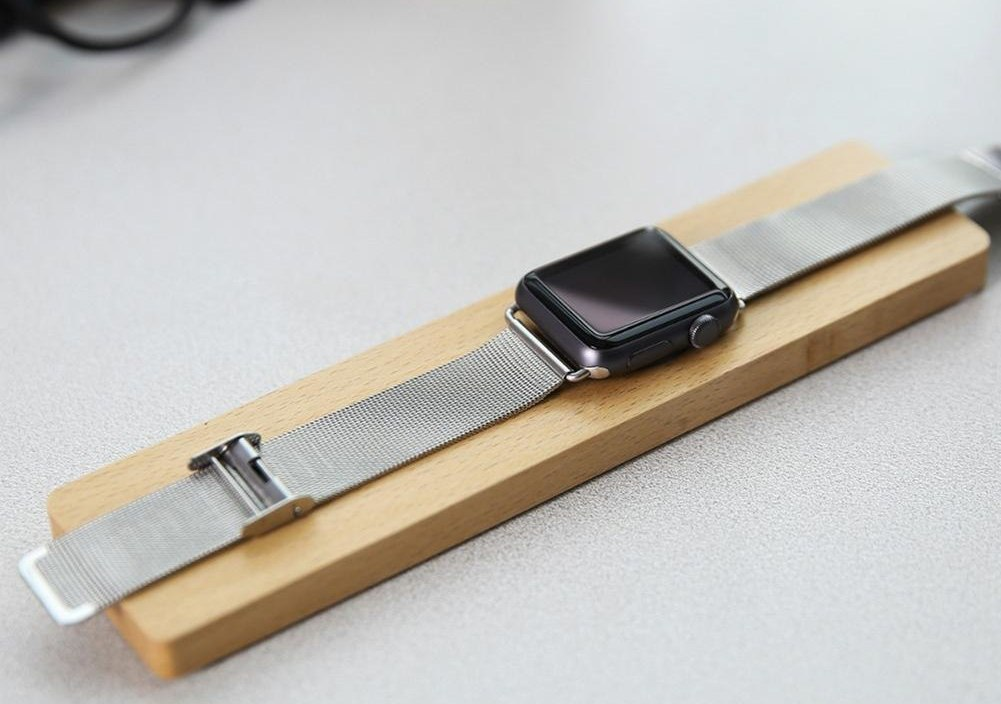 Smart Watch Mobile Phone Wooden Stand Smart Bracelet Solid Wood Base Innovative Charging Stand for Apple Watch 38MM 42MM