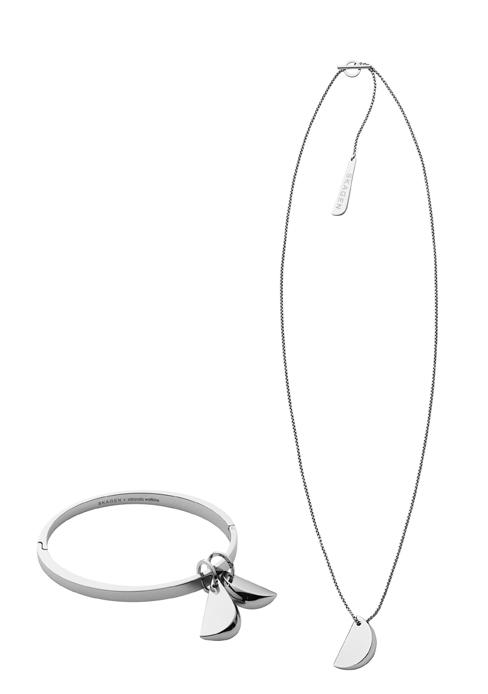 Fruit de la collaboration avec la designer britannique Miranda Watkins, cette collection capsule qui sortira à l'automne, se compose d'un collier, un bracelet et des boucles d'oreille.