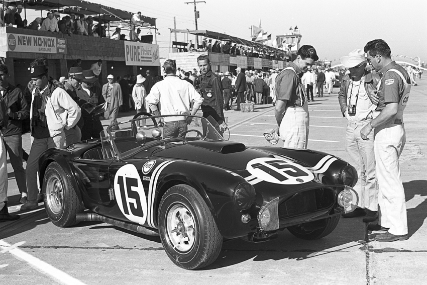 capeland-shelby-cobra-1963-baume-et-mercier-press-kit-01
