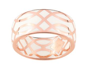 Ligne Confidence by Lore. Bague or rose 9 carats, laque ivoire. Prix : 285 €