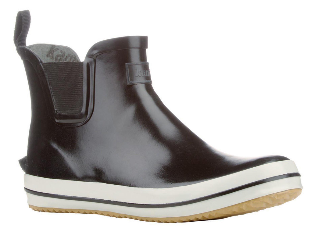 KAMIK, une marque canadienne qui fabrique des bottes de pluie à la fois techniques et élégantes. Modèle SHARONLO en noir. Prix : 45 €