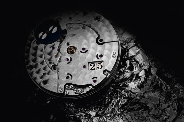 Lancé au printemps 2016 le Calibre 36 de la manufacture Glashütte, il fait battre le coeur de la nouvelle ligneSenator Excellence, déclinée en deux modèles, la Senator Excellence Panorama Date et Senator Excellence Panorama Date MoonPhase.