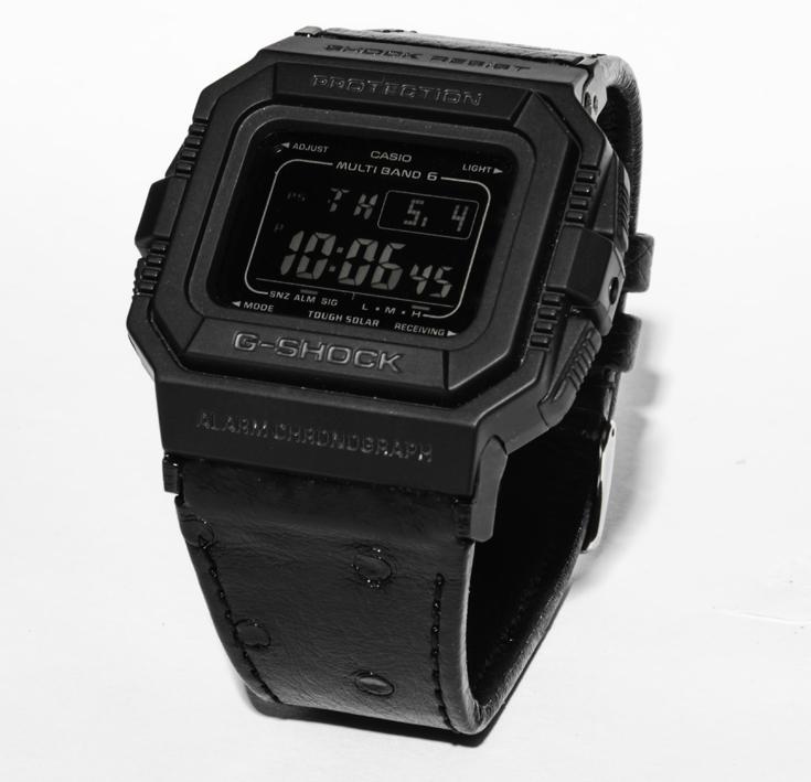 Black is beautiful ! La G-SHOCK GW-5510 dans sa version bracelet cuir d'autruche. 465 €
