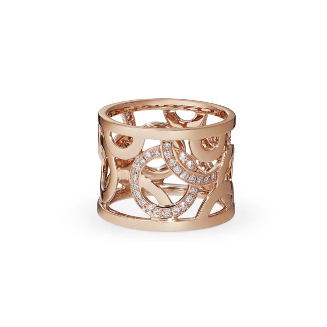 Lassaussois Joaillerie. Bague or rose (750/1000e) parée de 54 diamants taille brillant 0,26 ct. 2950 euros