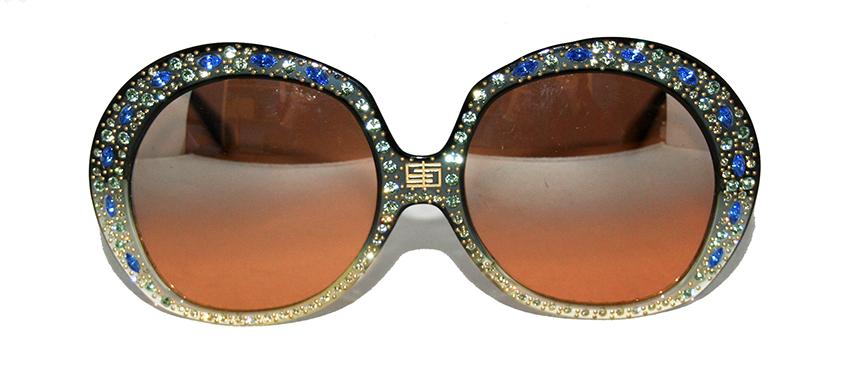 Quand la lunette se fait bijou, modèle Maharaja signé Pucci. Années 1970.