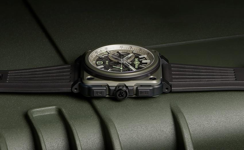 Bell & Ross passe en mode furtif avec le nouveau chronographe BR-X1 MILITARY
