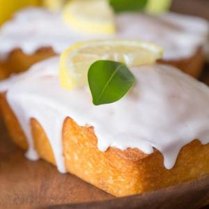 Lemon Cake too pretty to eat that you must eat