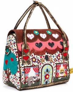 Dog House Purse: Fairytale cottage, garden & tree all rolled into a practical design. ThinkGeek.com.