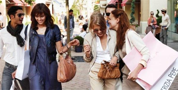 shopping milan picture