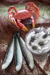 bordallo-pinheiro-serve-peixes-e-mariscos-na-cervejaria-ramiro_4