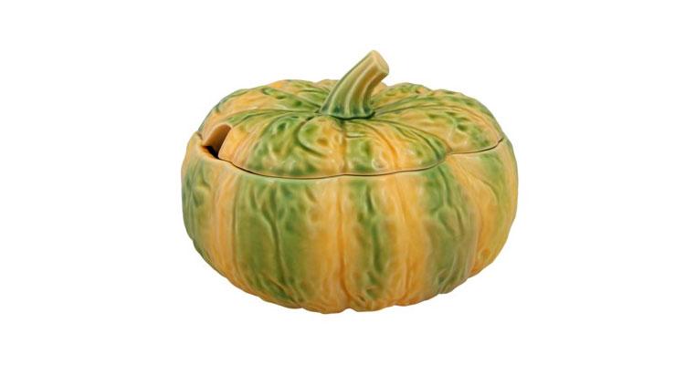 Bordallo Pinheiro sugere uma decoração de Halloween assustadoramente bonita