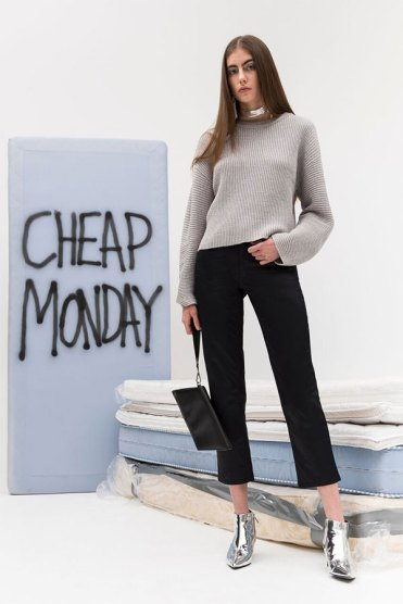cheap-monday-apresenta-coleccao-going-out-fw-2017_2