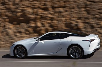 lexus-lc-e-finalista-em-duas-categorias-dos-world-car-awards_2