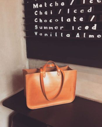 structured leather tote bag
