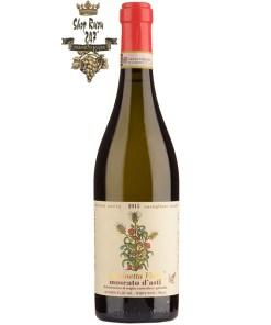 Cascinetta Vietti Moscato d'asti khi nhìn sẽ thấy có màu vàng rơm và một chút bong bóng sủi tăm. Rượu mang hương thơm mãnh liệt của đào, cánh hoa hồng và gừng.