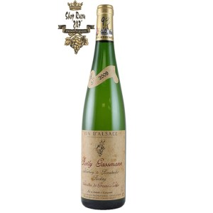 Vang Pháp Rolly Gassmann De Rorschwihr Riesling 2016 khi nhìn sẽ thấy có màu vàng rơm đậm. Rượu mang hương thơm nổi bật