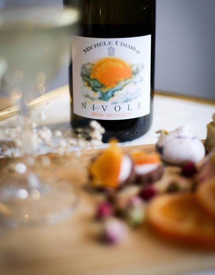 Rượu vang Michele Chiarlo Nivole Moscato