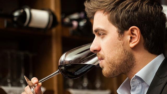 thưởng thức rượu vang shopruou247 1