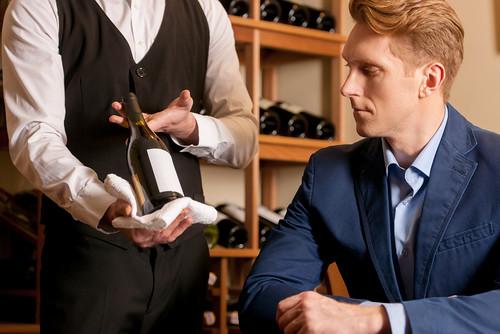 bí quyết chọn rượu vang trong nhà hàng