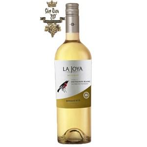 La Joya Reserva Sauvignon Blanc Bisquertt có mầu vàng đẹp mắt. Hương thơm của bưởi trắng, đào trắng, sả tươi cùng gợi ý của các hương liệu