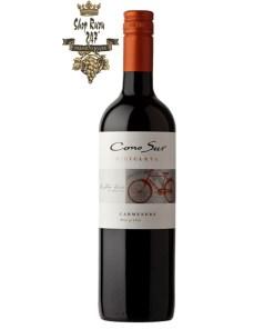Rượu Vang Chile Cono Sur Bicicleta Carmenere có mầu đỏ tím tươi sáng. Hương thơm của trái cây mầu đen với gợi ý của hạt tiêu đen, cacao