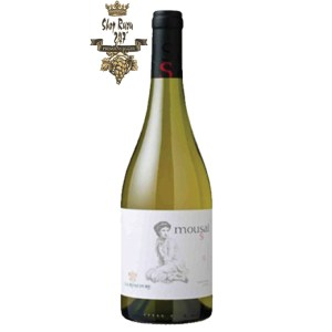 Rượu Vang Chile Trắng Mousai Chardonnay có mầu vàng tươi sáng. Hương thơm của trái cây tươi nhiệt đới nồng nàn với hương vị của hoa quả