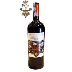 Rượu Vang Đỏ Viento Norte Grand Reserva Cabernet Sauvignon có mầu đỏ ruby đậm. Hương thơm phong phú của các loại quả như dâu tây, anh đào