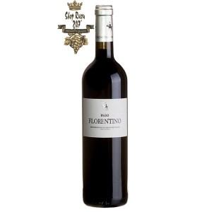 Vang Đỏ Arzuaga Pago Florentino Vino de Pago DOP có mầu đậm đẹp mắt. Đây là một loại rượu vang Pago với bản sắc riêng biệt.