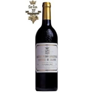 Chateau Pichon Longueville Comtesse de Lalande có mầu tím sáng. Hương thơm của trái cây đen, mộc qua và gia vị ngọt ngào. Vòm miệng cho thấy hương vị ngon ngọt,
