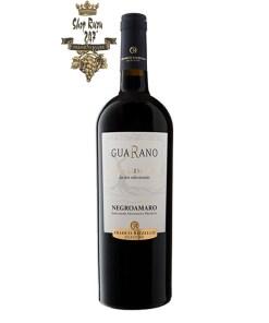 Rượu Vang Đỏ Le vigne di Sammarco Guarano Appassimento Negroamaro Salento có màu đỏ ruby tươi. Hương thơm phức hợp của các loại hoa quả mầu đỏ