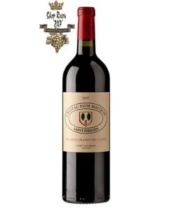 Rượu Vang Đỏ Pháp Chateau Pavie Macquin có màu đỏ anh đào đậm sâu. Hương thơm lan tỏa của trái cây mầu đỏ tươi như quả mâm xôi,