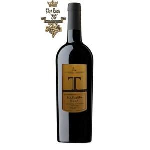Rượu Vang Đỏ Le vigne di Sammarco T Malvasia Nera Salento có màu đỏ ruby sậm. Hương thơm đặc trưng của anh đào, cây đinh hương cũng như các loại trái cây mầu đỏ