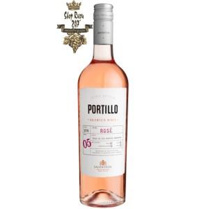 Portillo Rose Malbec có mầu đỏ hồng nhạt tươi. Hương thơm của các loại trái cây như anh đào, kẹo