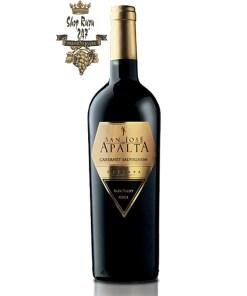Apalta Reserva Cabernet saugvinon có màu đỏ đậm đặc ấn tượng mạnh mẽ cùng với hương vị của dâu tây và mocha hòa quyện
