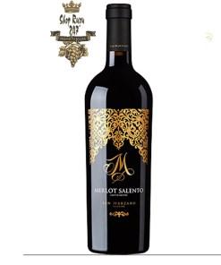 Rượu Vang Đỏ M Malvasia Nera Salento IGP có mầu đỏ ruby đậm. Hương thơm phức hợp của dâu rừng, quả anh đào, chocolate, dâu tây và vani .