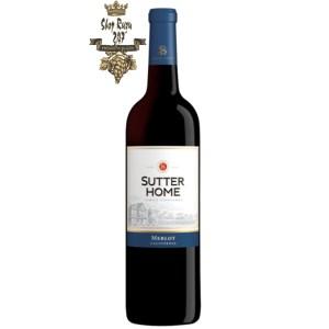 Sutter Home Merlot có mầu đỏ đậm đẹp mắt. Hương thơm của trái cây đen cùng mận, mùi khói với hương vị của anh đào và gia vị.