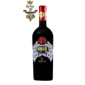 Rượu Vang Ý Roggio DOC Montepuciano có màu đỏ sâu với ánh granet. Hương thơm mạnh mẽ và phức hợp của các loại trái cây chín như dâu tây, mận, việt quất