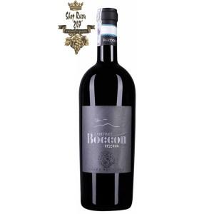 Rượu Vang Ý Boccon Cabernet Riserva có mầu ruby đỏ đậm sâu. Hương thơm quyến rũ của mận chín, nho đen, phúc bồn tử và hương nấm.
