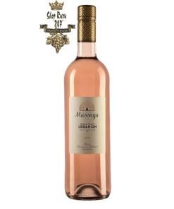 Rượu vang hồng Li Băng Massaya Rose 2019 có màu sắc dâu tây tuyệt đẹp với hương thơm của quả mâm xôi, trái cây đá