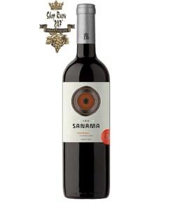 Rượu vang Chile Sanama Carmenere ược sự cuốn hút cho lần đầu chạm mắt với sắc màu tím đậm