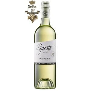 Với nồng độ 12,5%, độ axit cân bằng và lượng tannin mềm mại, rượu vang Knappstein Riposte Foil Sauvignon Blanc 2019 hứa hẹn sẽ mang đến cho bạn những cảm xúc tuyệt vời nhất về hương vị.