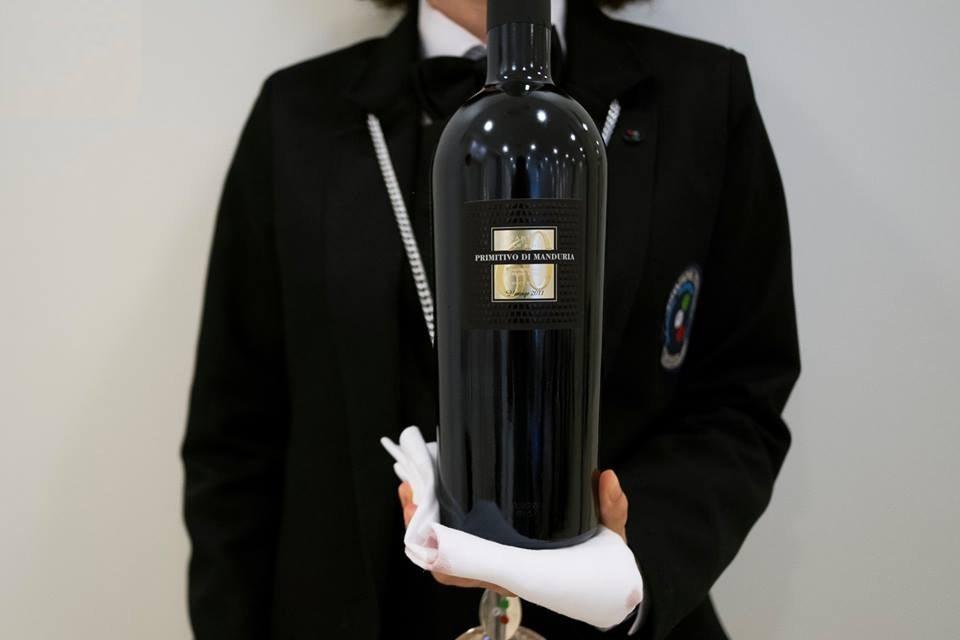 Rượu Vang Ý Đỏ 60 Sessantanni Primitivo có mầu đỏ hồng mãnh liệt. Hương thơm phức tạp của các loại trái cây, mứt anh đào